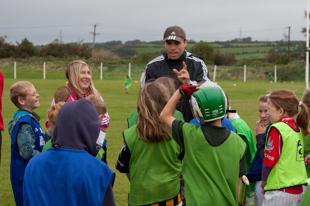 Sean Óg advises some of the participants
