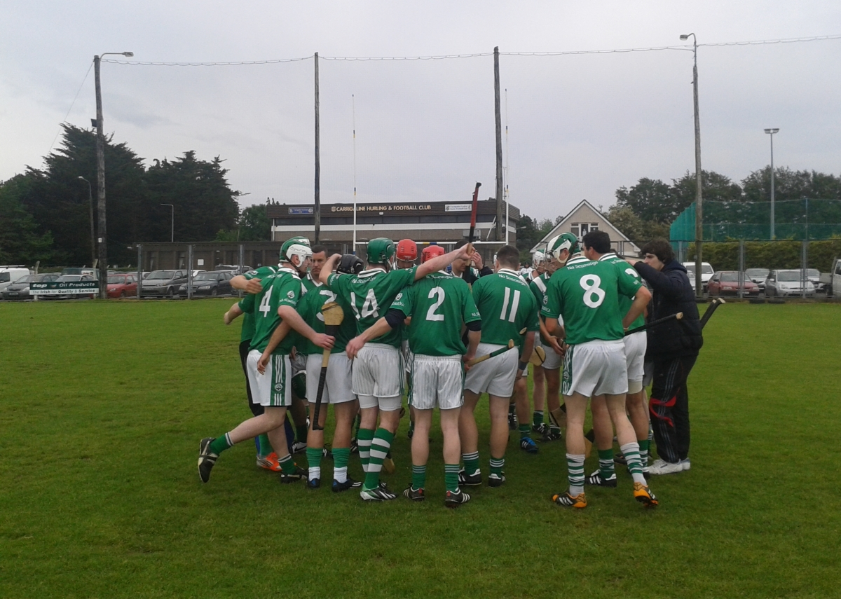 Junior Hurlers Huddle before the game