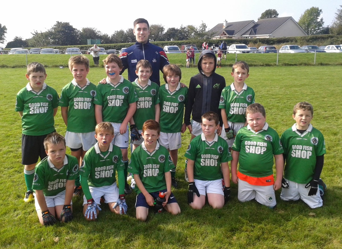 The u10's meeting Cork Senior Footballer Conor Dorman (Bishopstown) at the football blitz in Mayfield on 3/10/13. Back row with Conor Dorman - Nigel O'Sullivan, Eoin O'Flynn, Conor Coleman, Conor Buckley, Robert Barrett, Michael Foy, Cathal O'Donovan. Front - Josh Bartlett, Aaron Clarke, Dara McCormick, James O'Keeffe, Charlie Nyhan and Sam Foy.